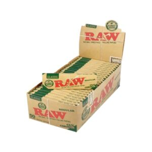 50 Raw Classic Green Regular Corner Cut Rolling Papers